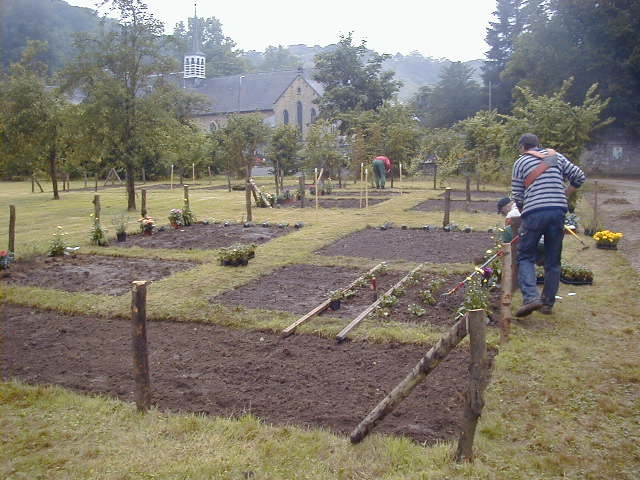 Espaces verts jeunes au travail for Emploi responsable espaces verts