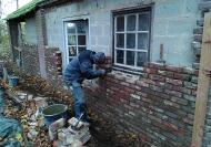 jeunes-au-travail-maconnerie-brique